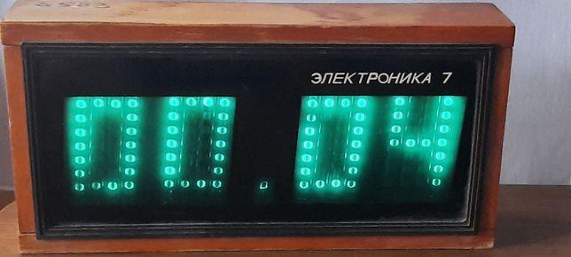 Промышленные часы Электроника 7 СССР