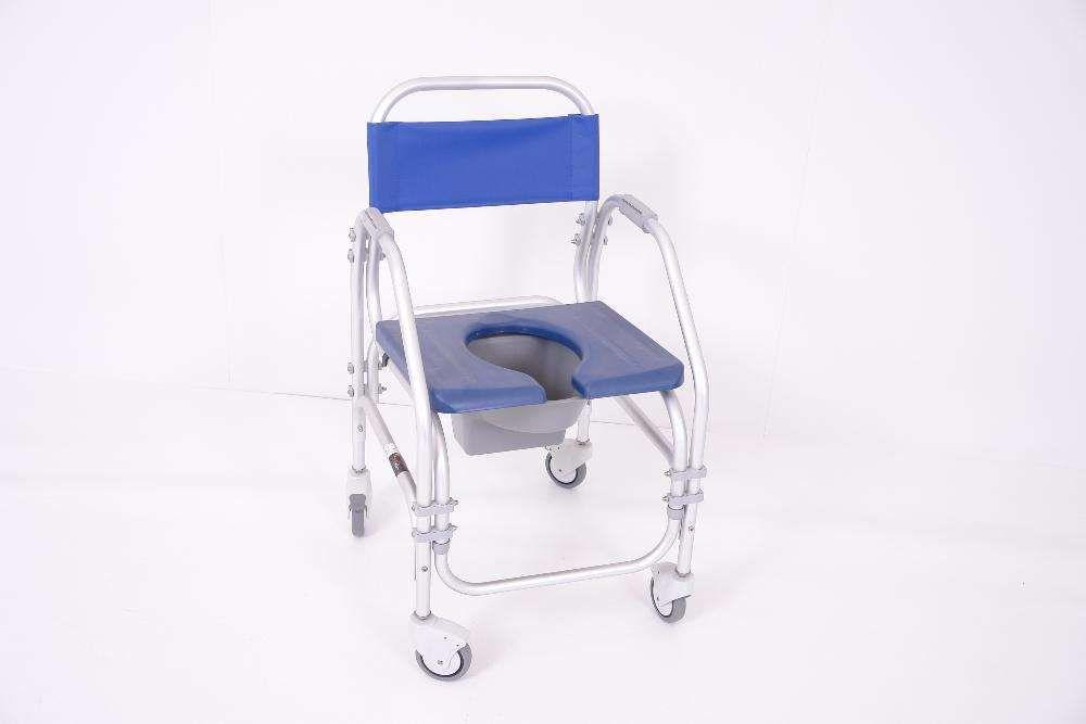 Cadeira de Banho Sanitária com Rodas CDDU-304