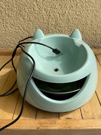 Даром питьевой фонтан для кота/маленькой собаки