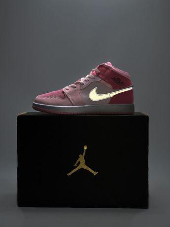 Женские кроссовки Nike air jordan 1 retro pink найк джордан 36-40 кожа
