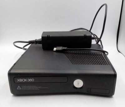Konsola XBOX360_SLIM_RGH_250GB_Bez pada_zasilacz_1439-RGH-JTAG