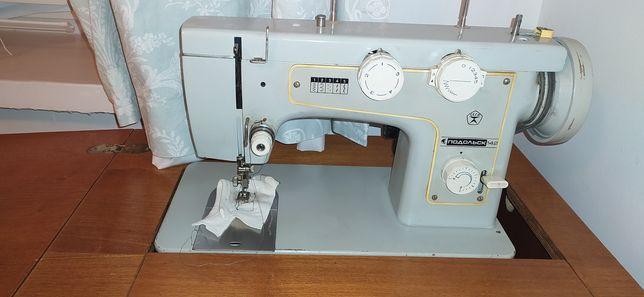 Машинка швейная Подольск 142 с ножным приводом