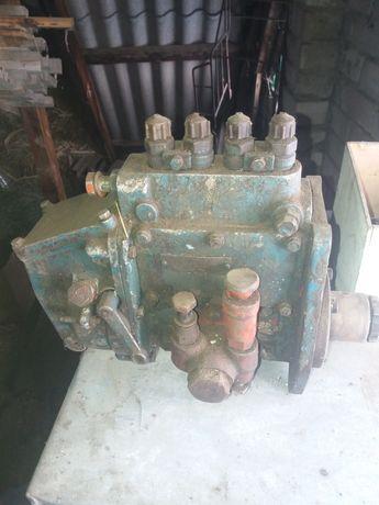 топливный насос на трактор ЮМЗ