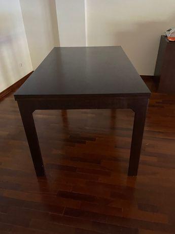 Mesa de madeira extensivel