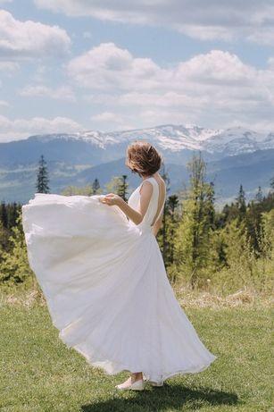 Весільне плаття в стилі мінімалізм