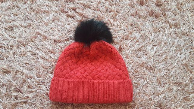 Зимняя тёплая шапочка для девочки