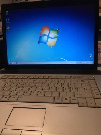 Ноутбук Toshiba EQUIUM A200-1VO в робочому стані ,батарея тоимає