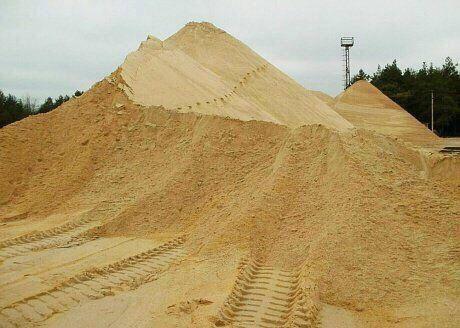 Пісок, щебінь, відсів, чорнозем, глина, сипучі матеріали