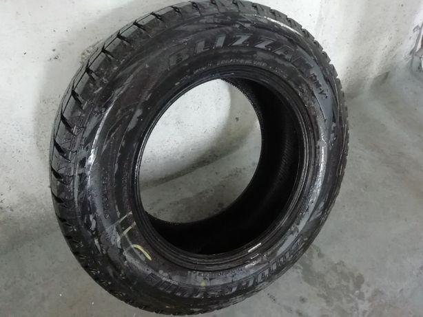 Продам комплект зимних шин Bridgestone Blizzak 285/60 R18