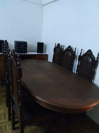 Mesa extensível com 6 cadeiras