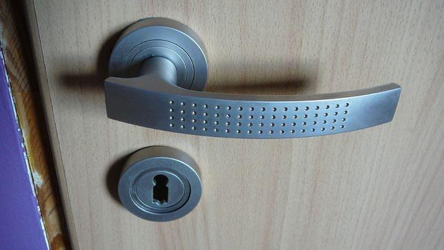 klamki do drzwi wewnętrzne nowoczesne modne 5szt. klamka
