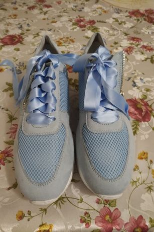 Кроссовки (sneakers)