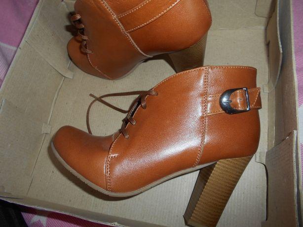 Кожаные ботиночки в идеальном состояние