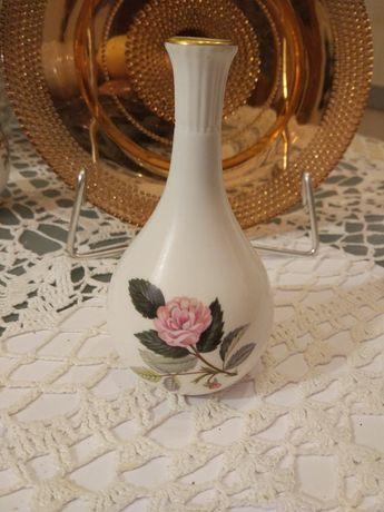 Wazonik Róża - Wedgwood porcelana bone. Pomysł na prezent.