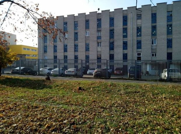 Продам гараж, ул.Гв.широнинцев,3, кооператив Серпомолотовец 1 этаж.