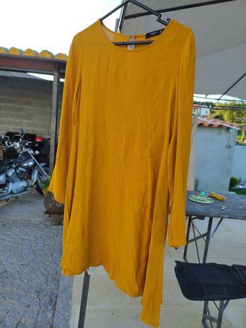 Vestido amarelo da Mango.