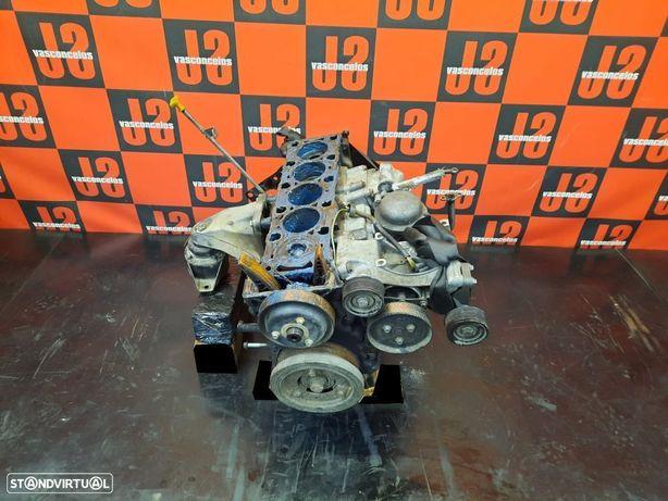 Motor para PEÇAS Land Rover Defender TD5 10P 01´