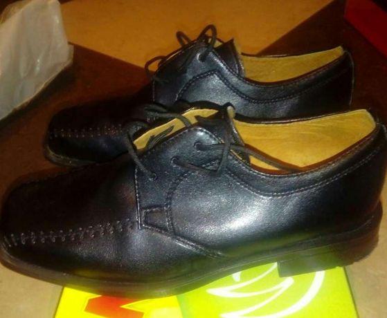 Eleganckie buty dla chłopca czarne skórzane, lakierki Falcon r. 33.