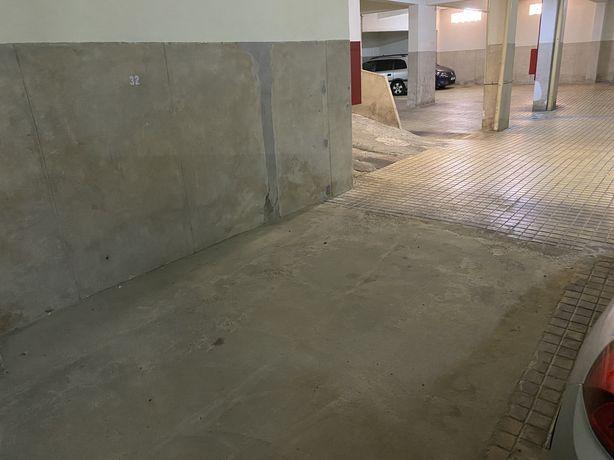 Lugar de Garagem a 200m do Centro Comercial Amoreiras