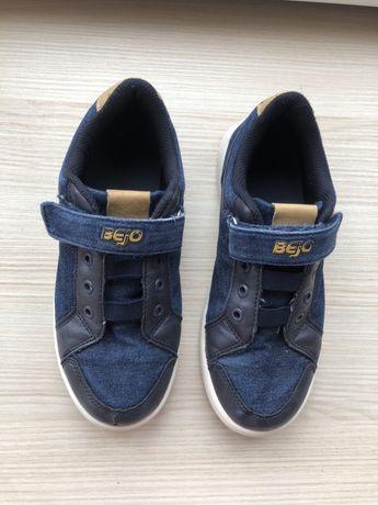 Фірмові кросівки Bejo в дуже хорошому стані - 34 розмір