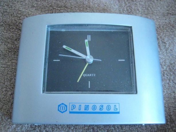 Часы Будильник на батарейках