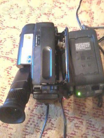 продам видеокамера с кассетой 8 мм