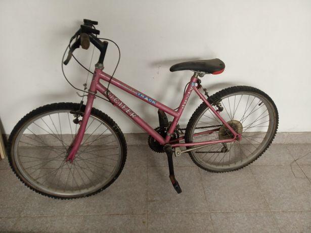 Bicicleta de senhora cor rosa