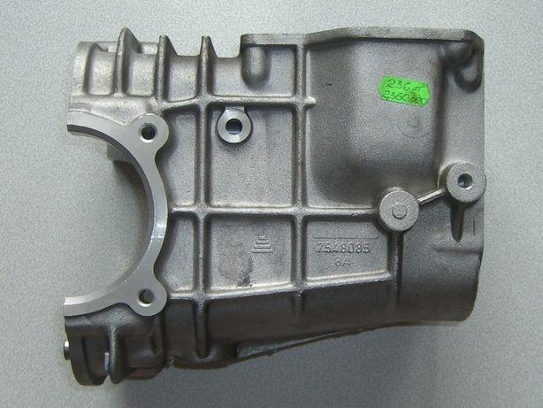 Obudowa skrzyni biegów (środkowa część) Fiat 126p