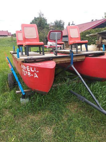 Rower wodny, silnik elektryczny, przyczepka, wiosła, akumulator.