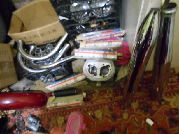 Продам корзина лобовик трубы картер на мотоцикл Ява 360,559