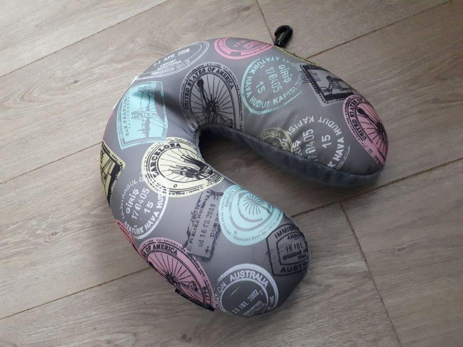 Poduszka podróżna pod głowę, wypełnienie kulki, pokrycie pluszowe Gdańsk - image 1