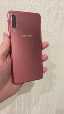 Продам Samsung Galaxy A7 2018 ROSE Gold 4/64 gb Магазин