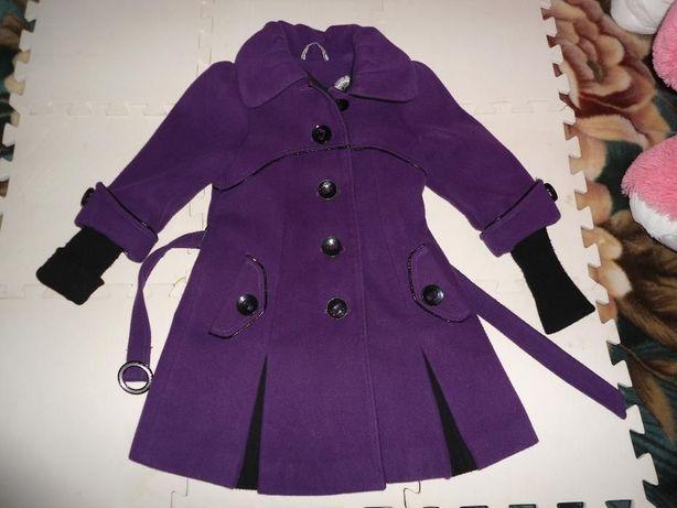 Продам пальто рост 122-136