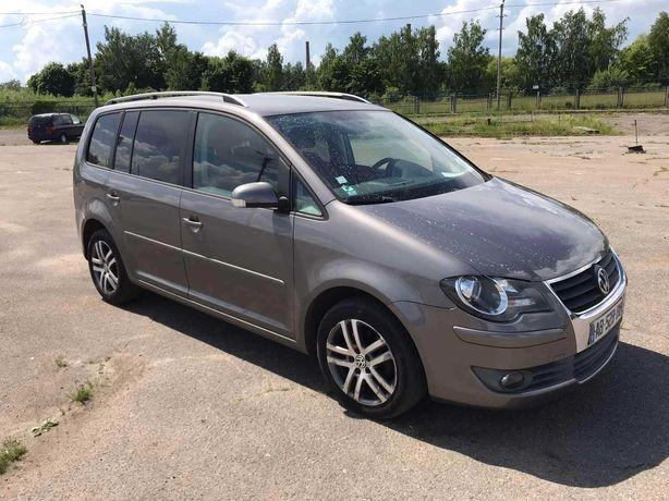 Volkswagen Touran, 1.9 l., Минивэн,акпп,\