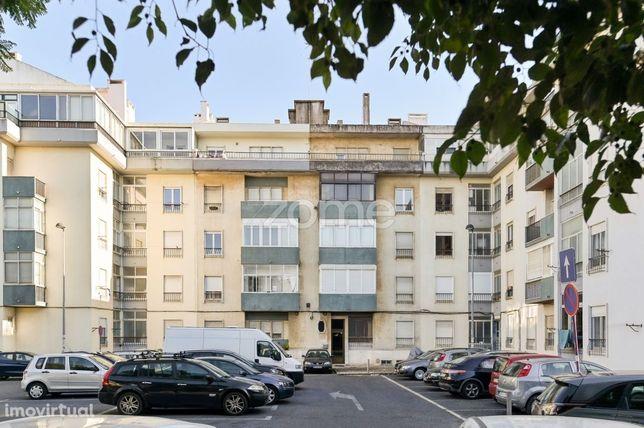 Apartamento T1 renovado em Oeiras - Quinta das Palmeiras