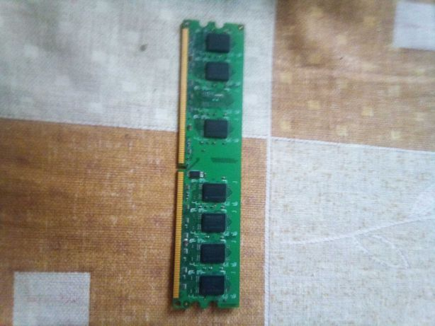 Оперативная память на пк DDR2-2Gb