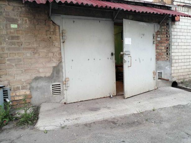 Капитальный отапливаемый гараж.