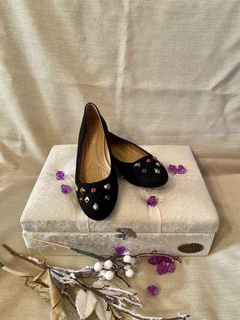 Взуття жіночн