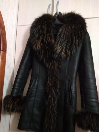 Продам дублёнку,одета два раза, Турция размер 44,натуральная замша,