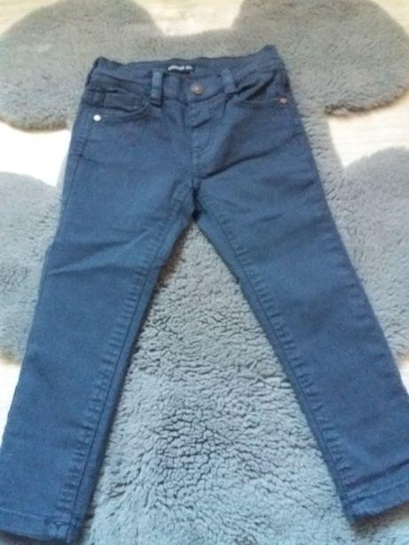 Spodnie z elastycznej tkaniny slim fit RESERVED, r. 98