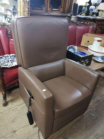 Skórzany fotel z funkcją Relax elektryczny