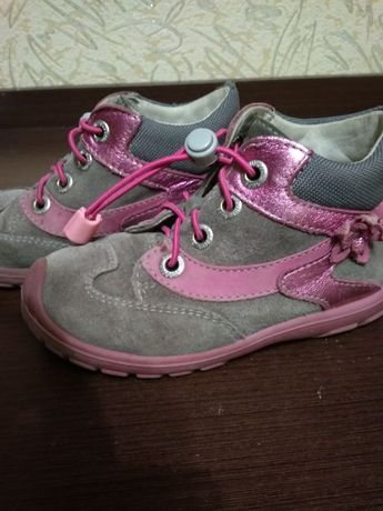 Ботиночки,кросовки для девочки