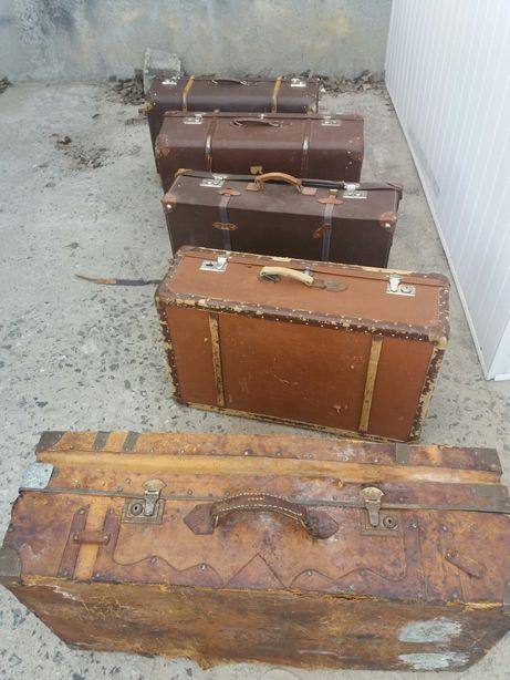 Продам чемоданы коллекционные.