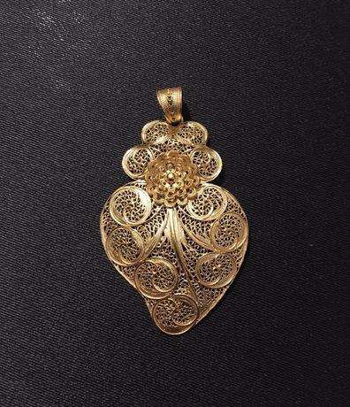 Coração de Viana em prata dourada