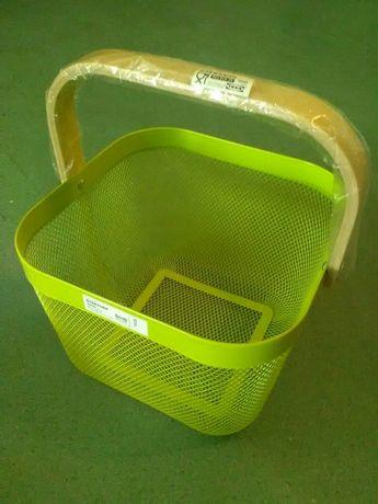 Koszyk kosz metalowy z drewnianą rączką, zakupy, piknik