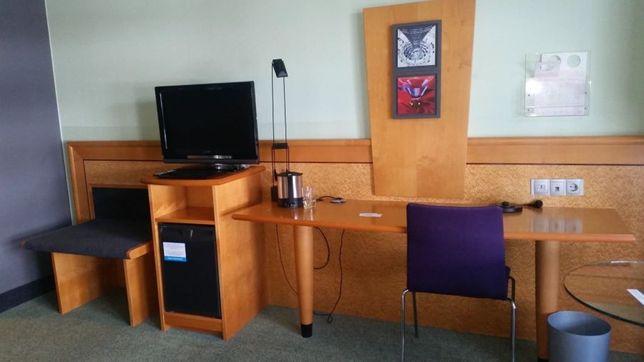 Wyposażenie meble hotelowe 2os 4* używane biurka