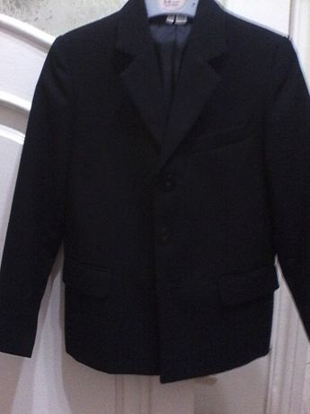 Продам школьный пиджак для мальчика, рост 122