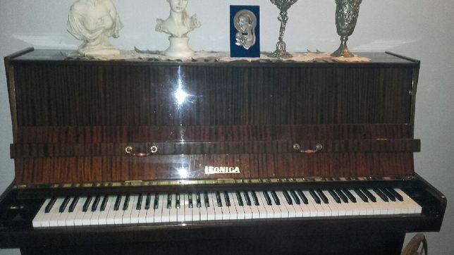 Pianino Legnica mahoń