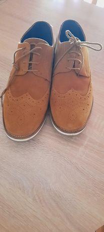 Sapatos clássicos em camurça homem