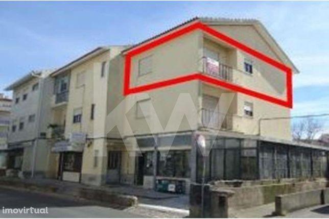 Arrendamento - Apartamento  T2 no centro da Abóboda - São Domingos de